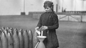 A woman working at National Shell Filling Factory Number 9 in Banbury, England, during World War I.