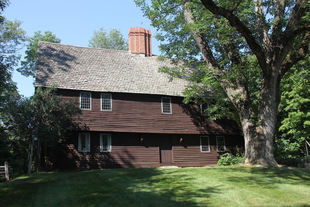 The parson capen house vita brevis for Vita house